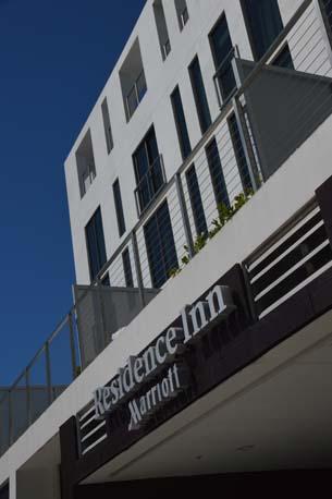 Marriott Miami Beach outdoor sign vertical