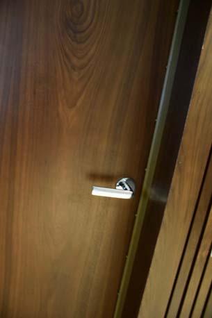 BTG Pactual door handle 2