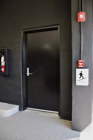 Lauderdale Mini black exit door view 2