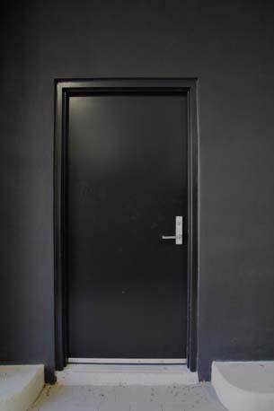 Lauderdale Mini black door